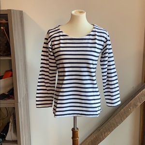 3/4 sleeve navy and white top